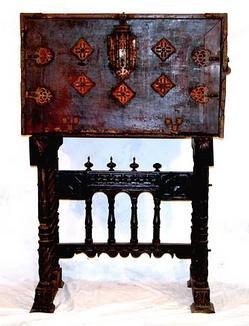 Furniture desk vargueno spanish baroque bone inlay for Spanish baroque furniture