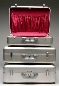 Luggage-Set (3); Halliburton, Aluminum, Bakelite-Type Handles, Lined.